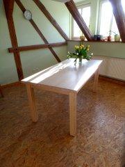 Ausziehbarer Tisch aus Lärche